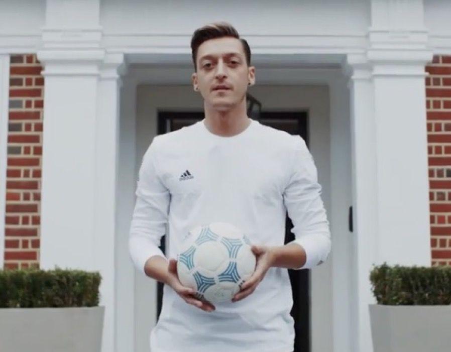 Mesut Ozil house Arsenal