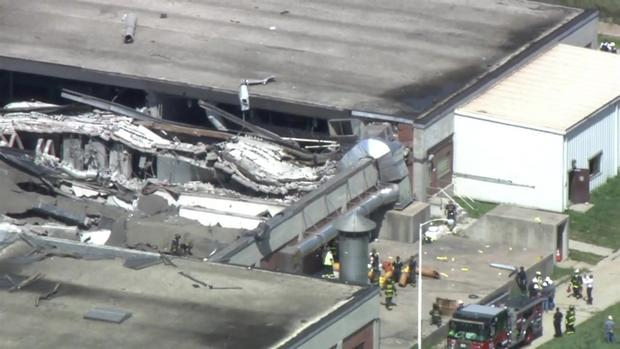 [CHI] Aerial Footage Shows Building's Roof Collapse Damage