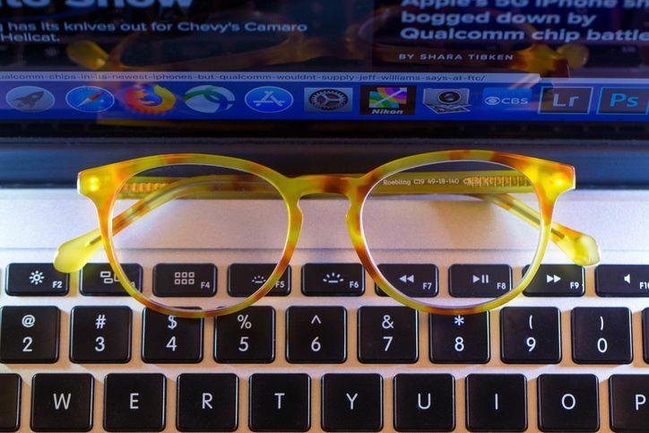 blue-light-glasses-2