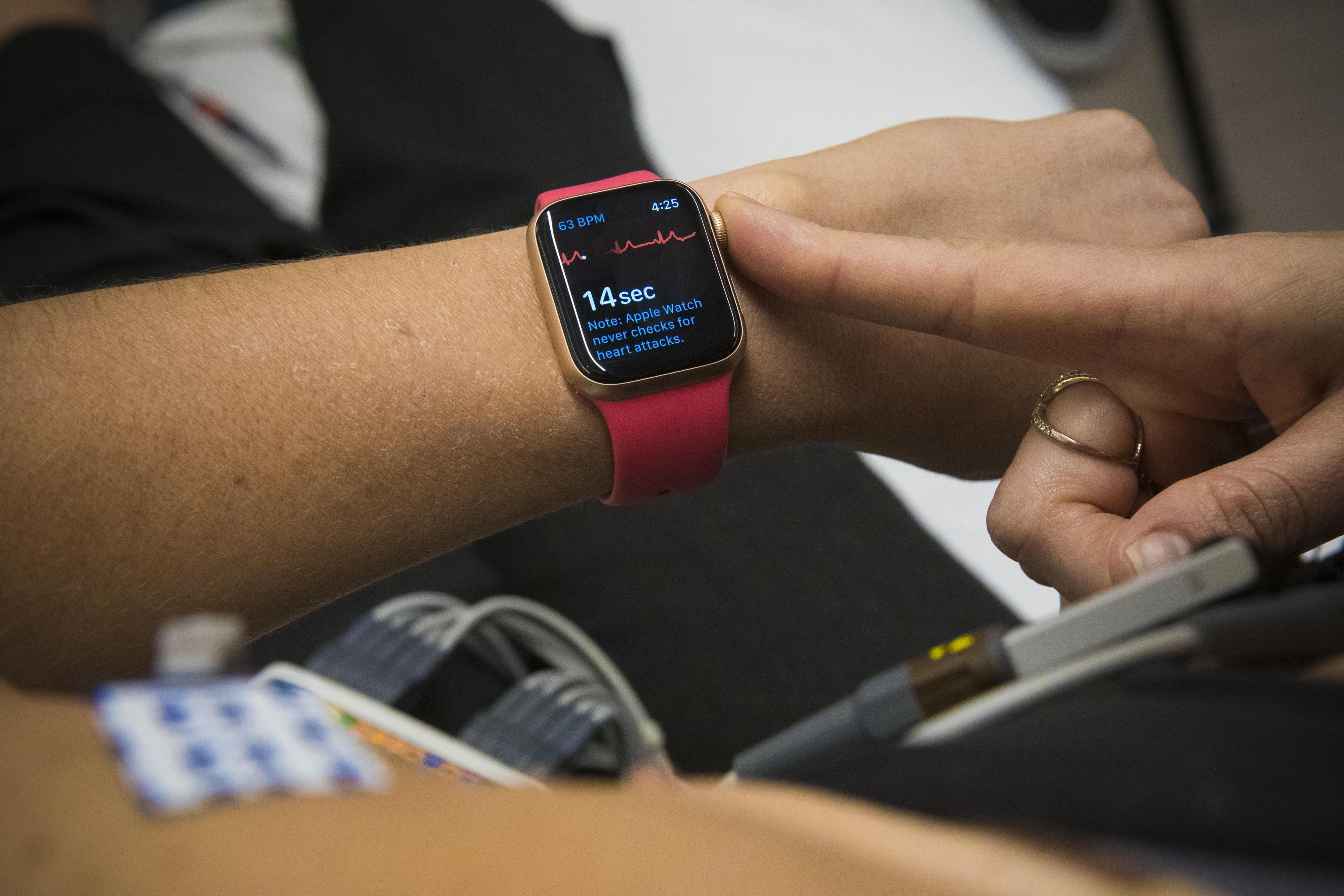 vanessa-hand-health-apple-watch-ekg-electrocardiogram-9681