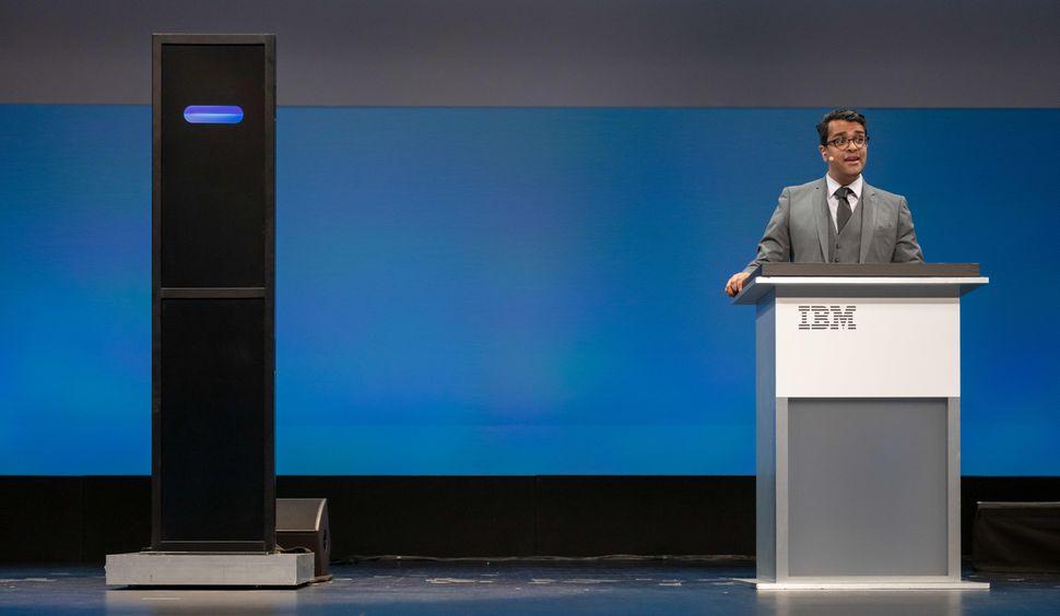 20190211-ibm-debater-01