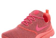 Nike Women's Presto Fly SE Running Shoe (7.5 B(M) US, Hot Punch/Pink Blast)