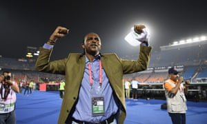 Nwankwo Kanu celebrate Nigeria's quarter-final win.