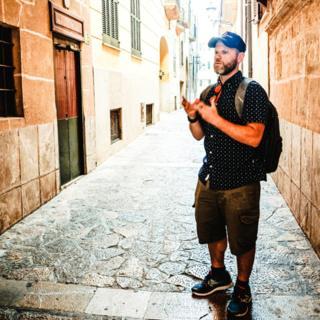 Dani Rotstein in the Jewish quarter of Palma