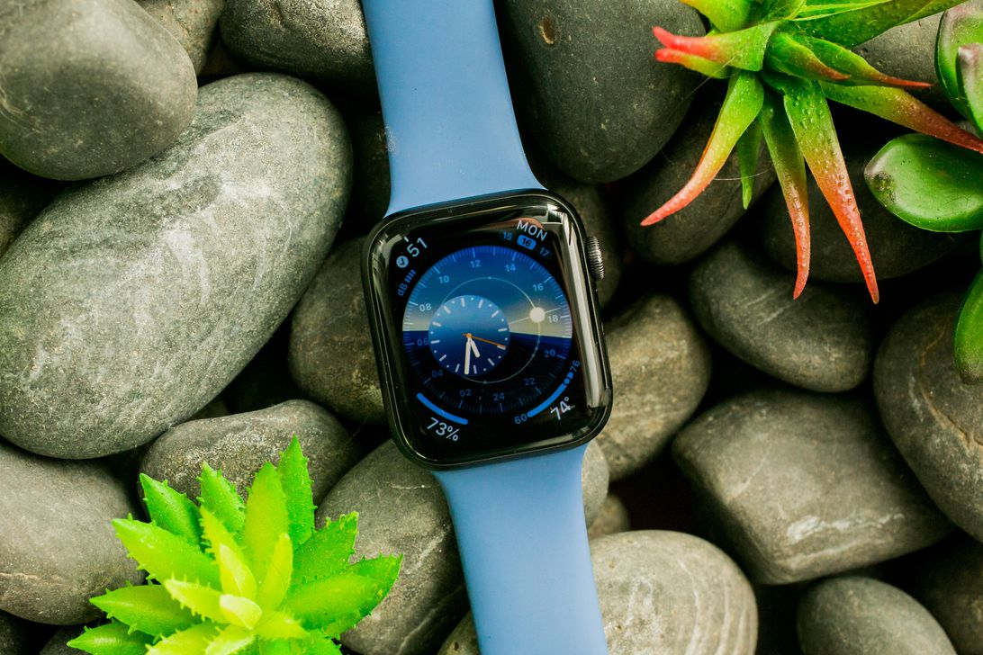 09-apple-watch-series-5