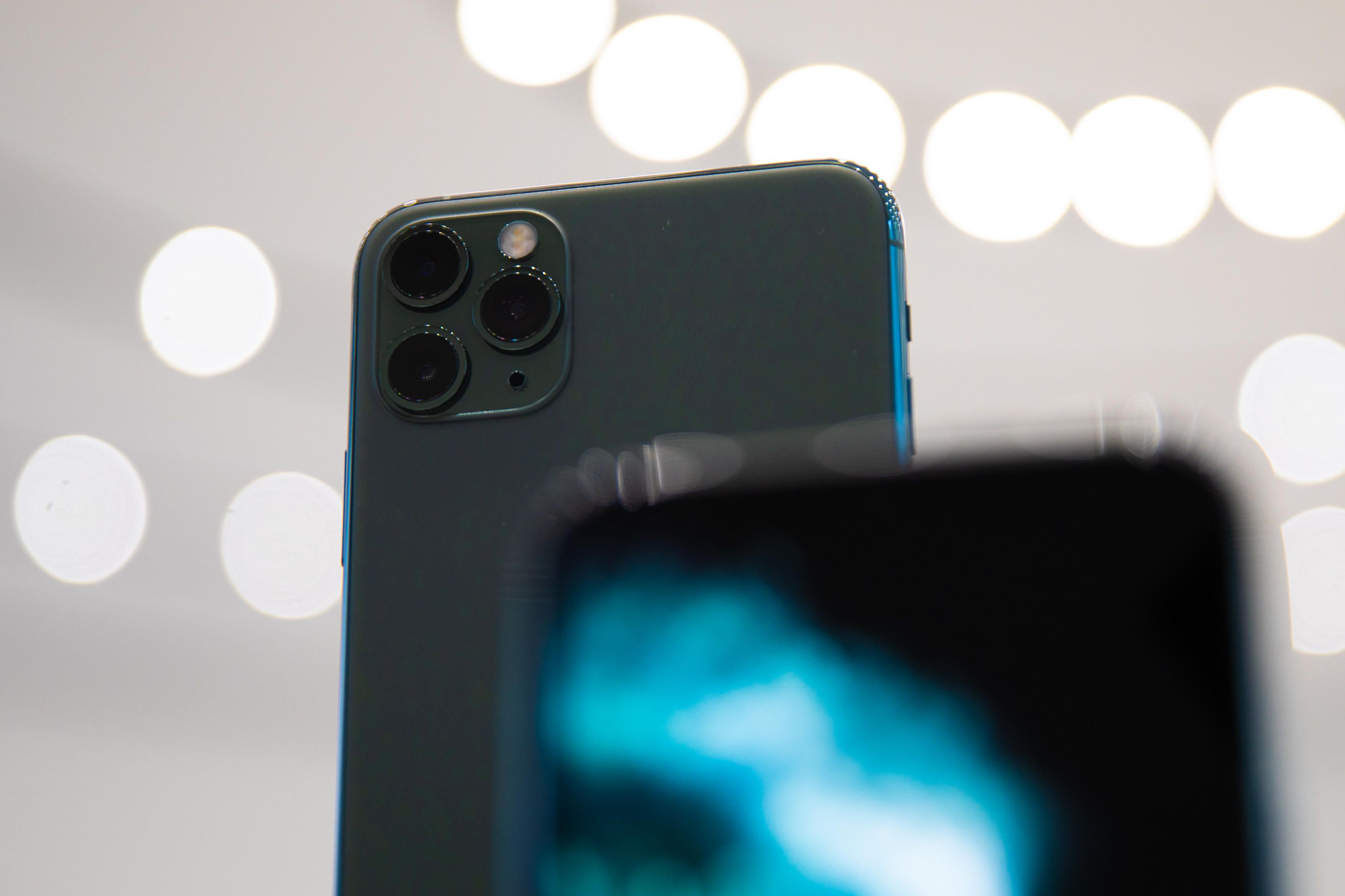 apple-event-091019-iphone-11-pro-8978
