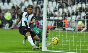 Newcastle's DeAndre Yedlin puts the ball in the net but VAR decided an offside meant it should be chalked off.