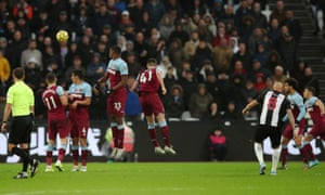 Newcastle United's Jonjo Shelvey scores their third goal from a free-kick.