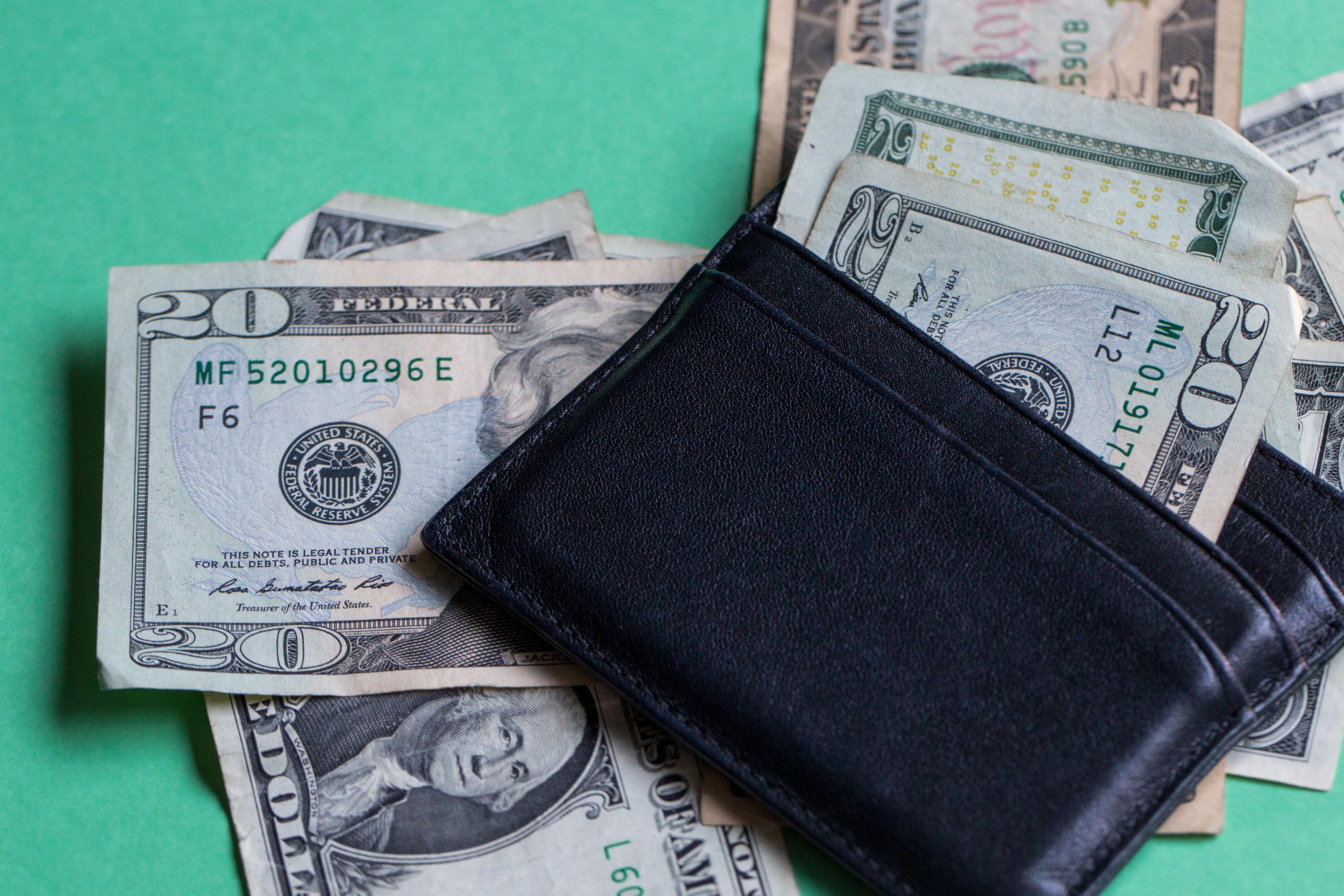 dollars-money-bills-currency-wallet-2