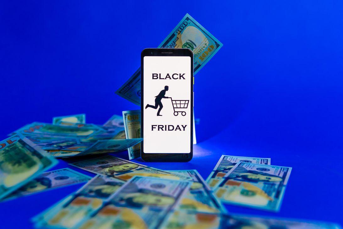money-cash-dollars-price-shopping-black-friday-9950