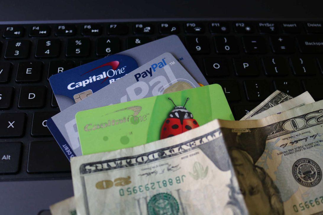 saving-money-shopping-online.jpg