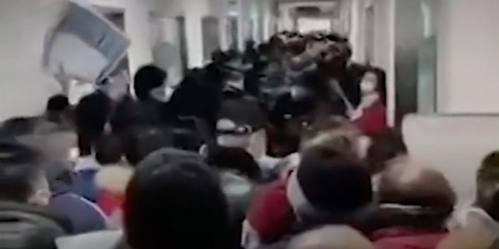 New York Times video Wuhan hospital crowding