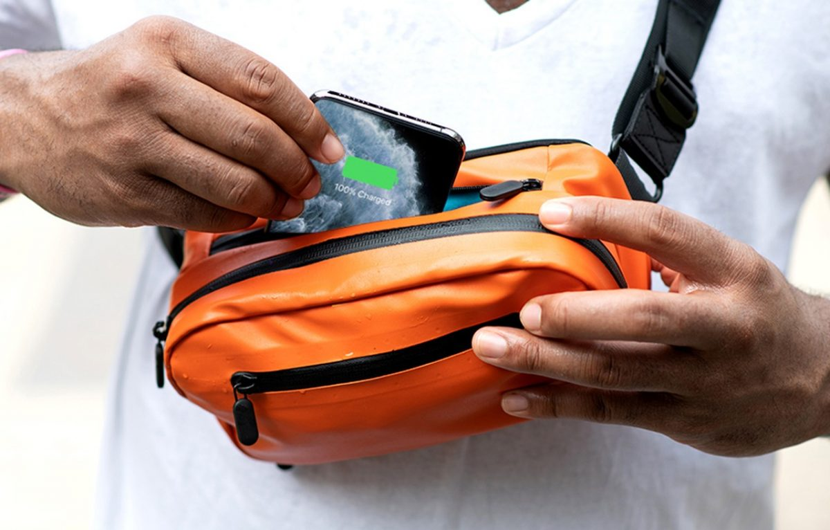 Ampere-Side-Pocket-Wireless-Charging-Fanny-Pack-4
