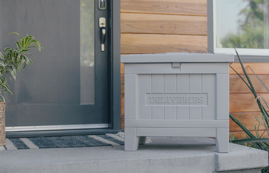 yale-smart-delivery-box-lifestyle-1