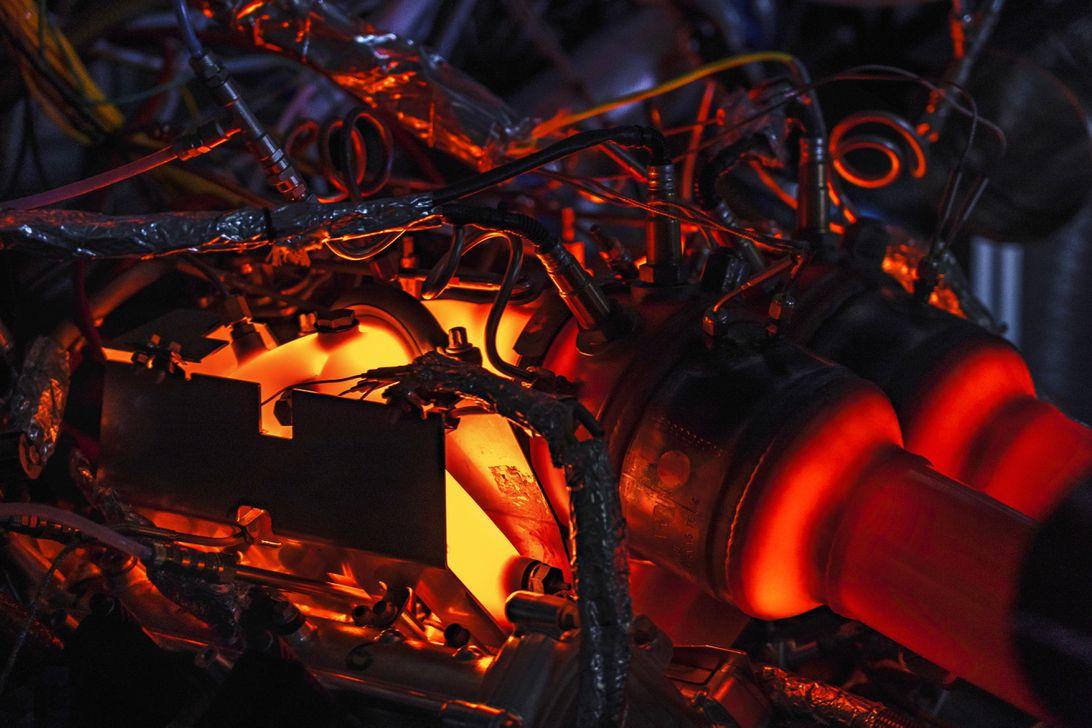 new-aston-martin-v6-engine-9
