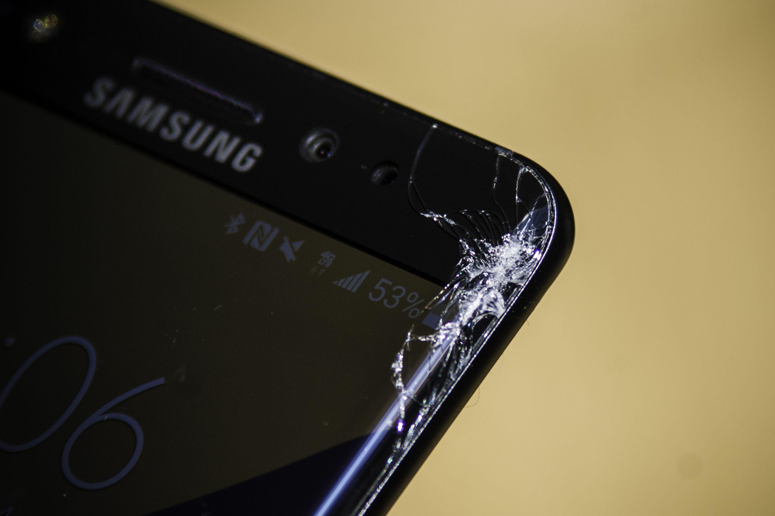 samsung-cracked-screen-note-7.jpg