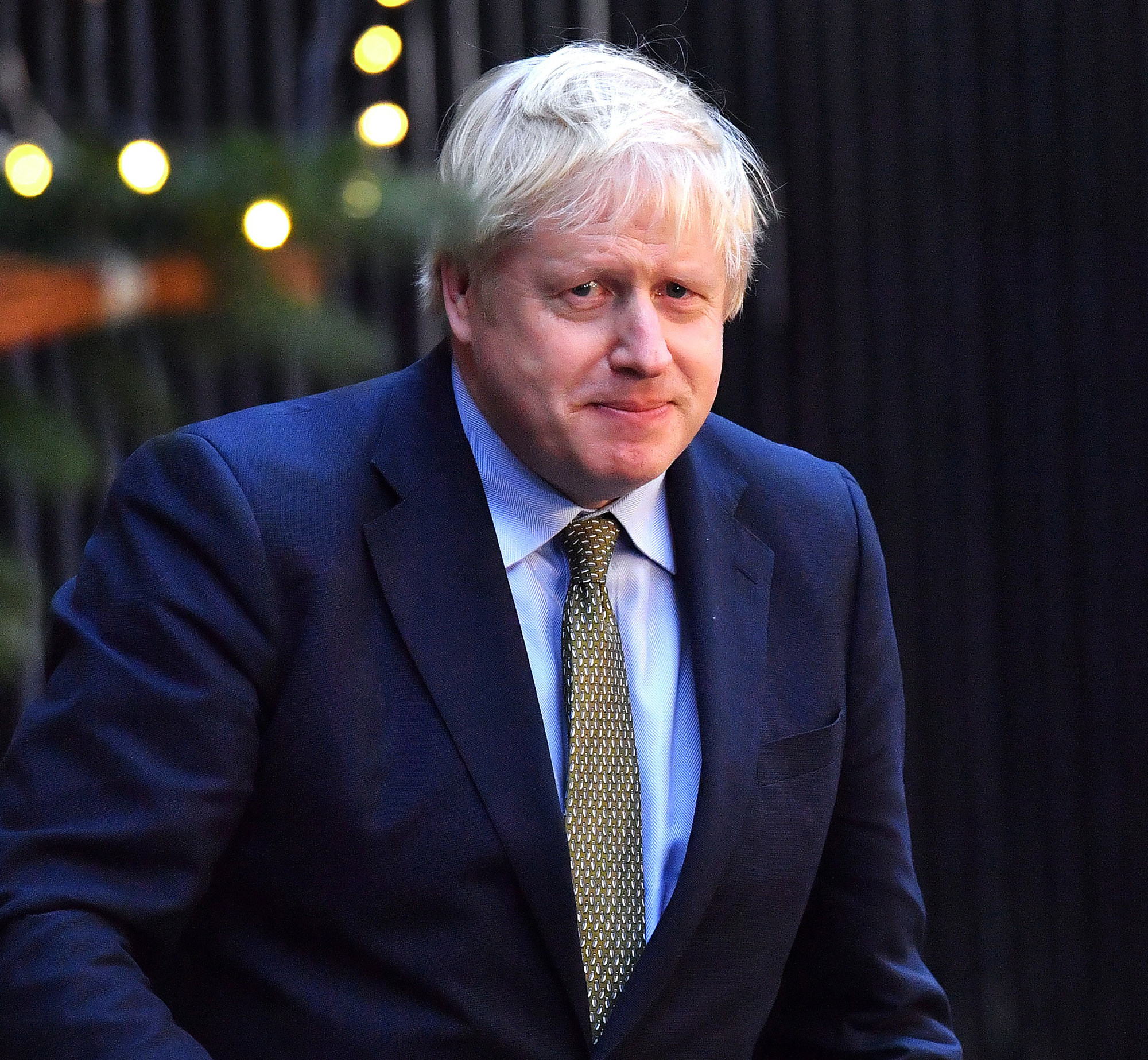Boris Johnson Moved to the ICU Amid Coronavirus Battle
