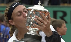 Pierce kisses the trophy after her straight sets victory over Conchita Martínez in the 2000 French Open final