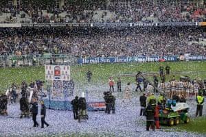 2009 AFL grand final trophy presentation