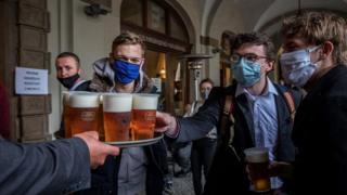 Prague pub, 11 May 20