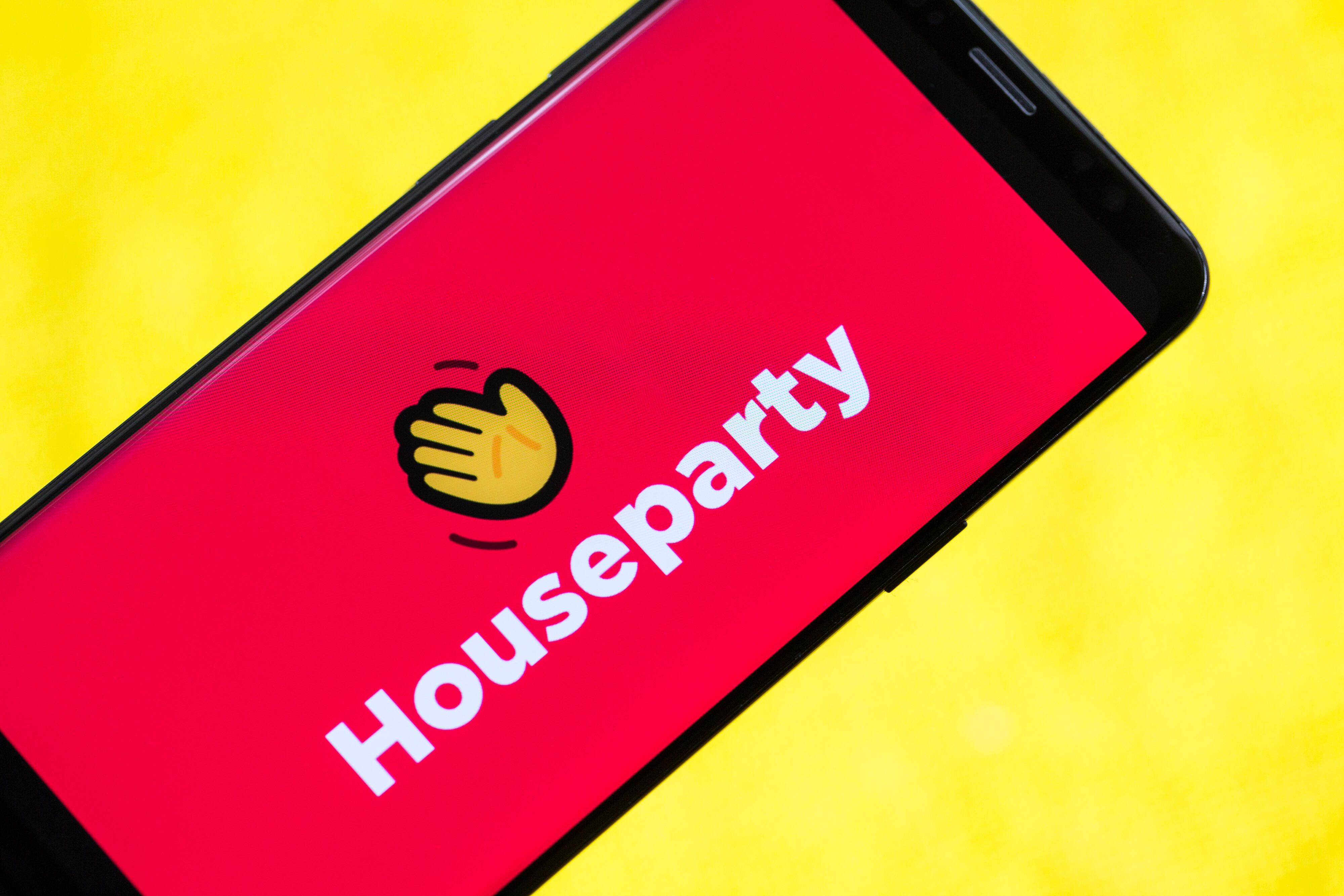 houseparty-app-phone-1