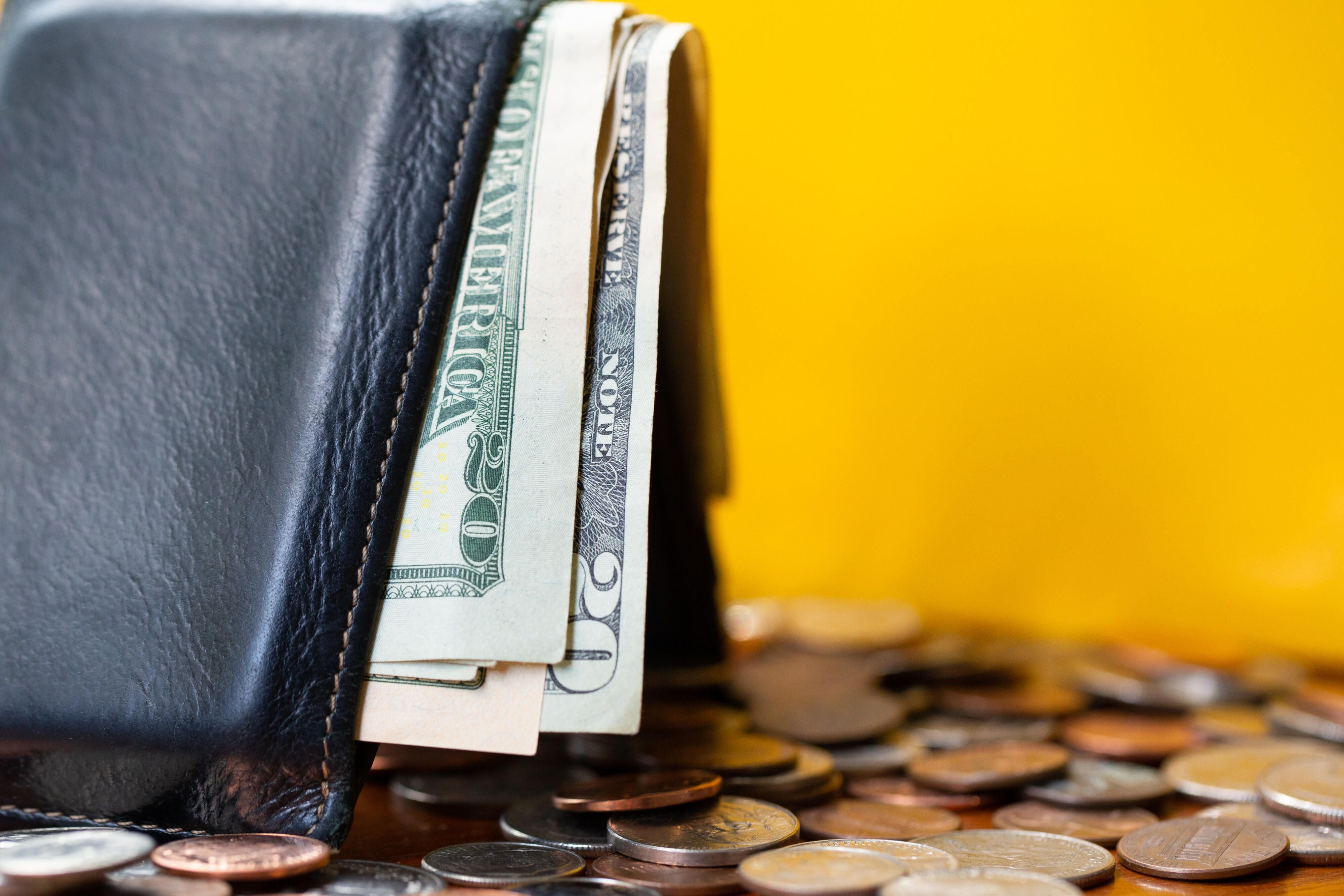 money-bills-wallet-coins-dollars-1002