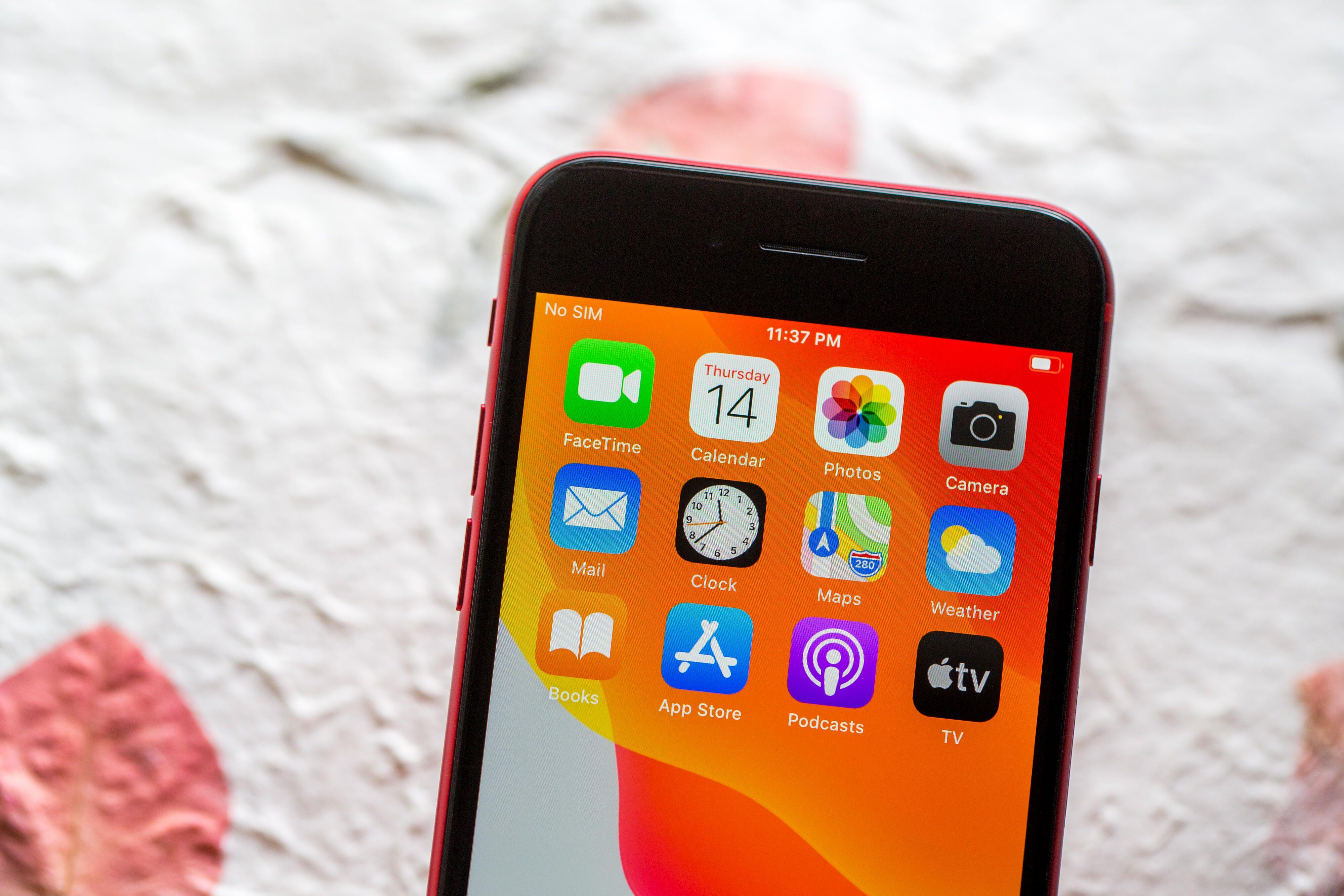 apple-iphone-se-2672
