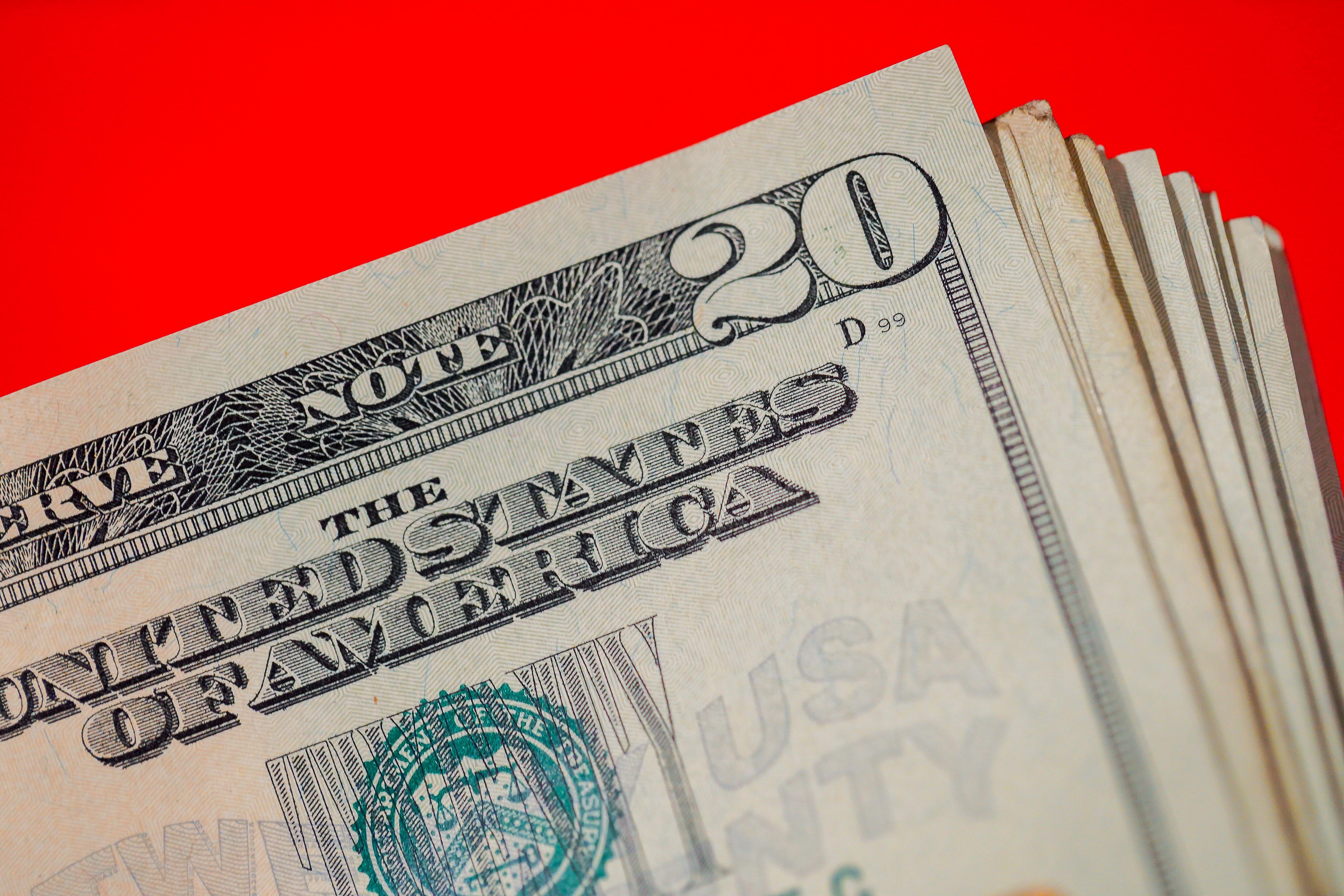money-bills-wallet-coins-dollars-1009