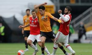 Europa League football might help convince striker Raúl Jiménez to stay at Wolves.