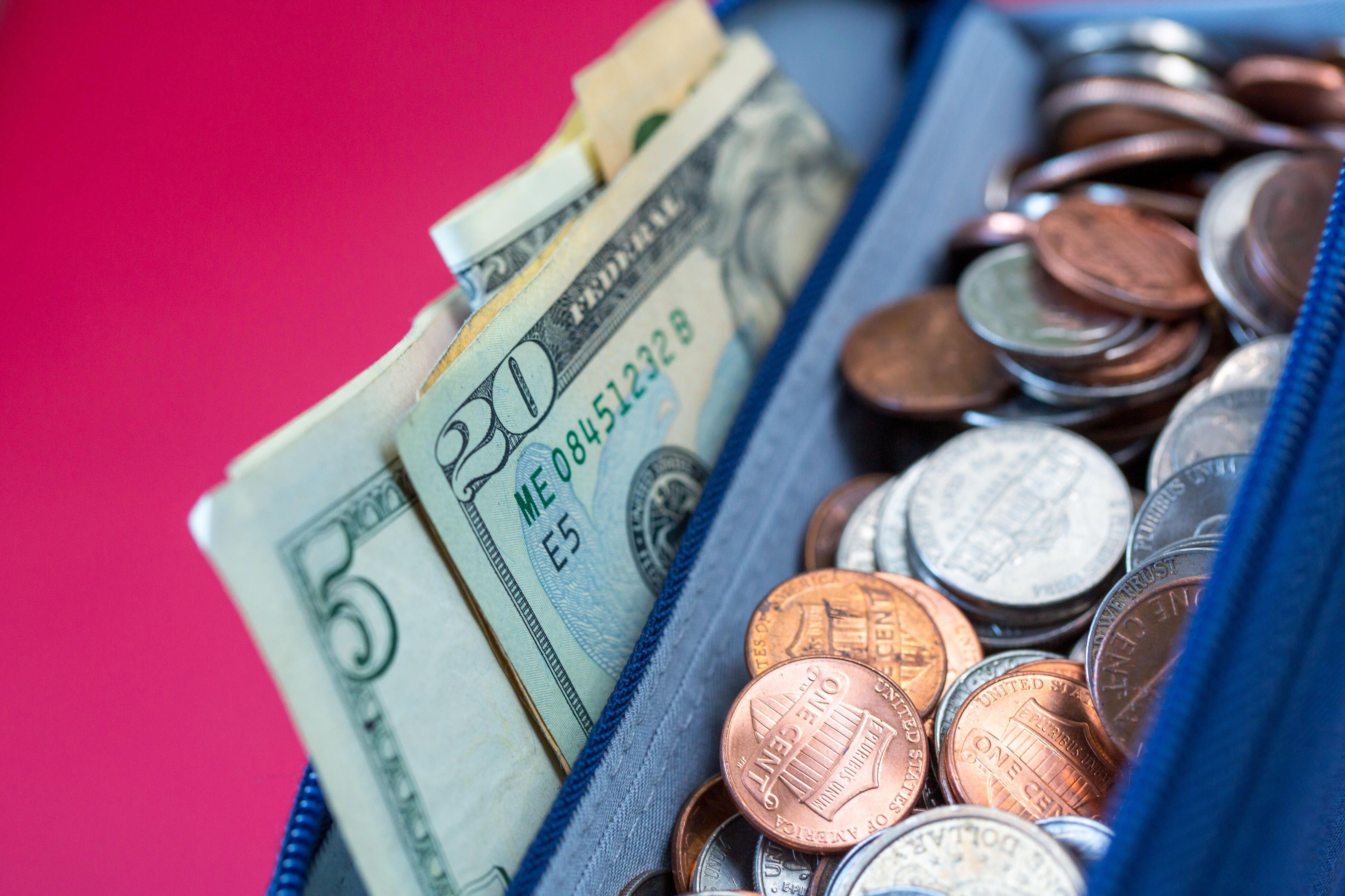 money-bills-coins-wallet-0554