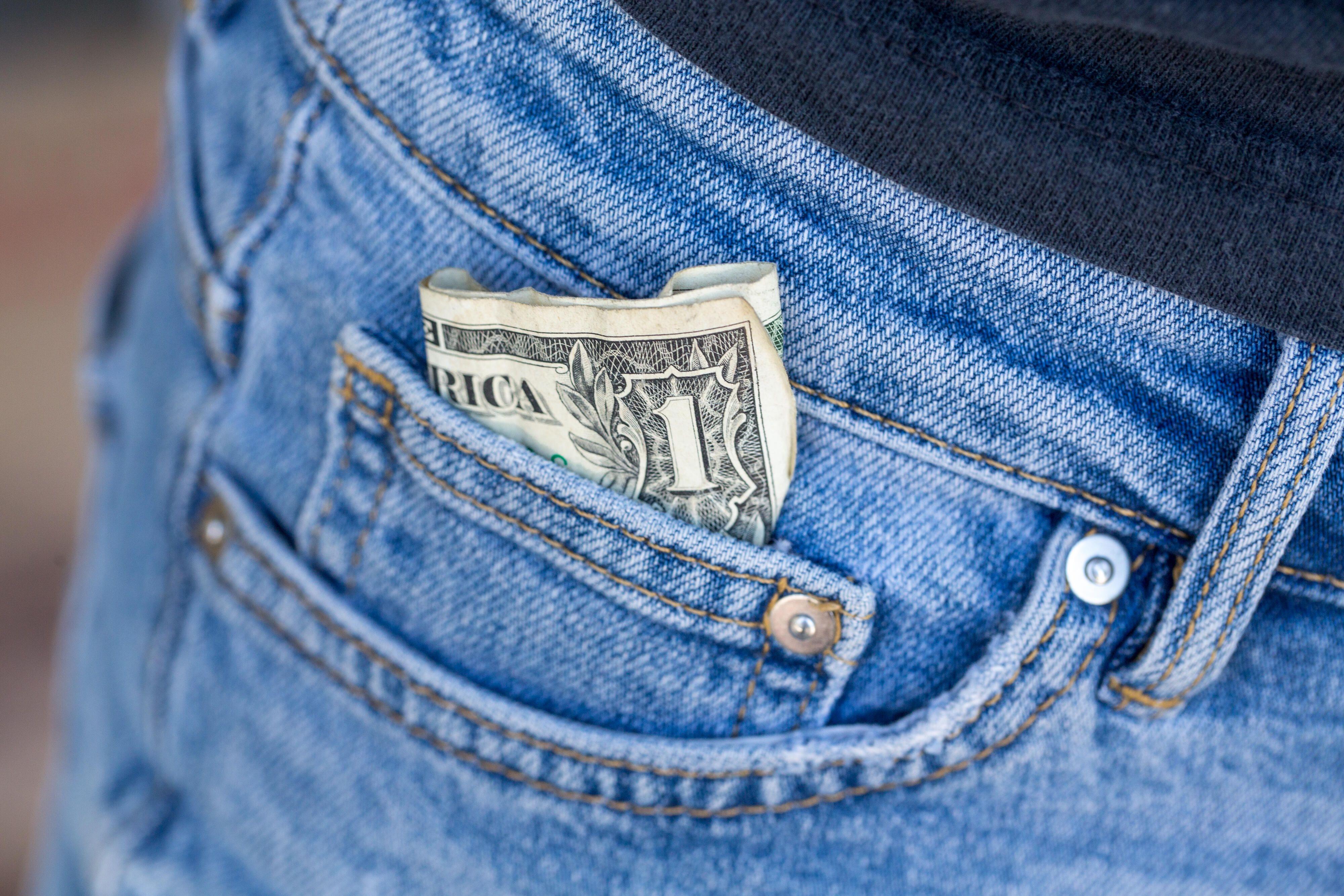 money-cash-dollar-economy-recession-2924