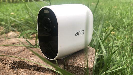 arloessentialspotlightcamera2