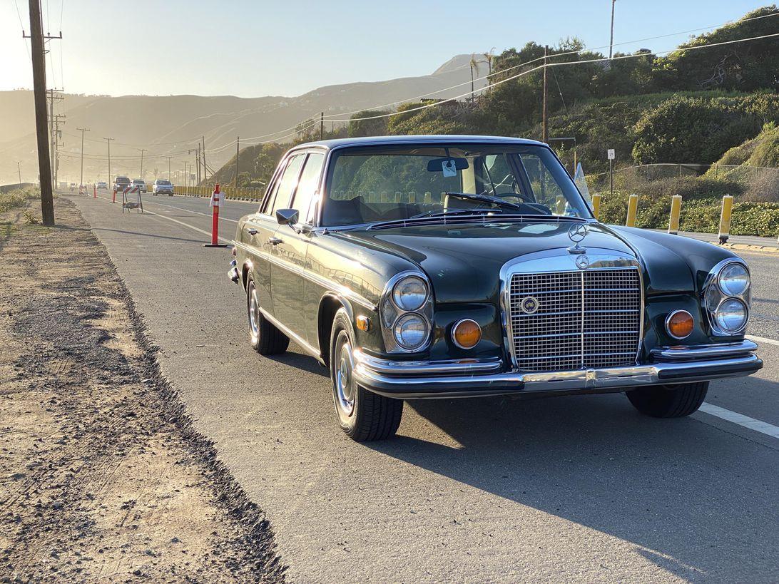 1970-mercedes-benz-280se-001
