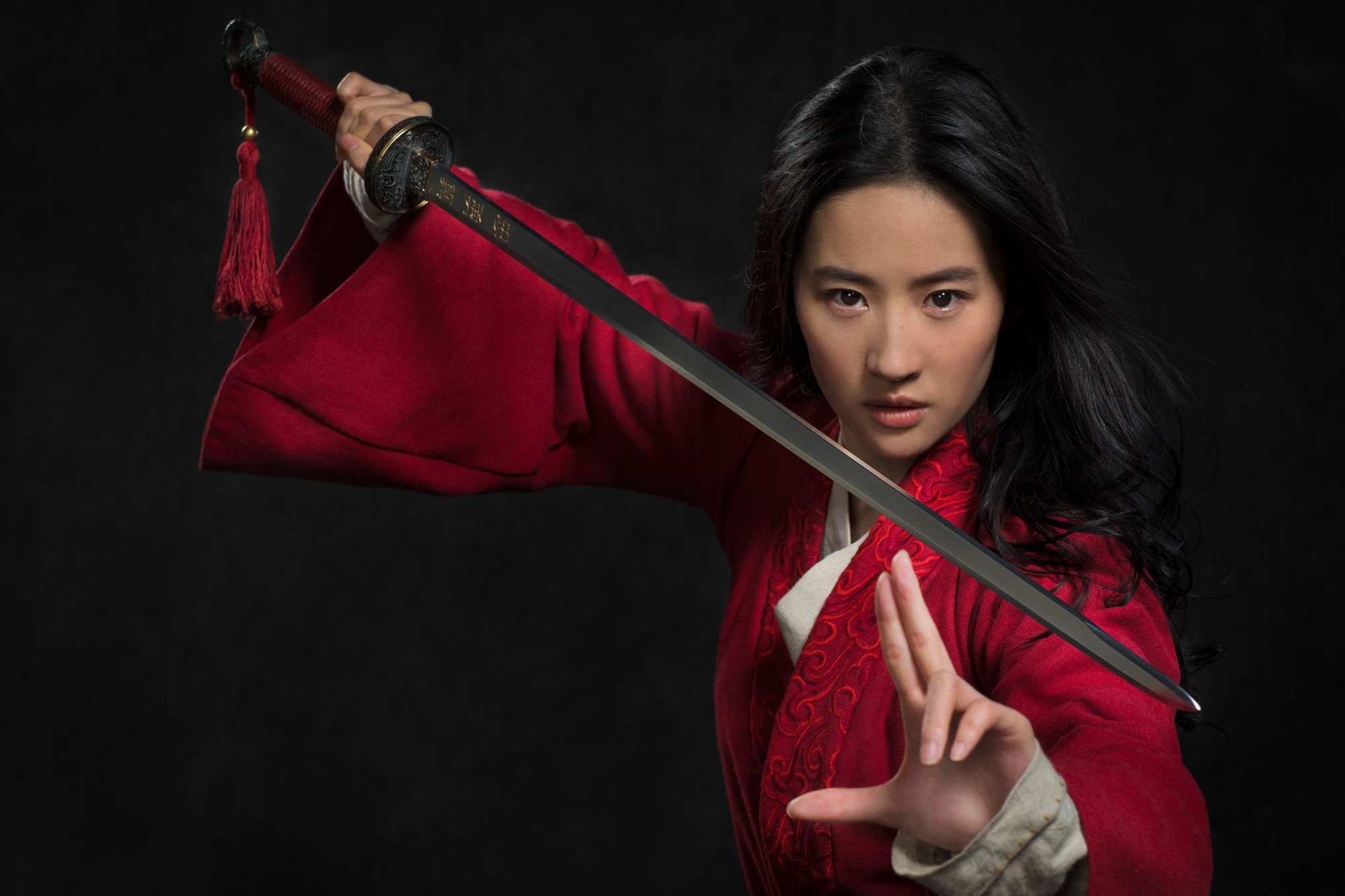 mulan-2020-first-look