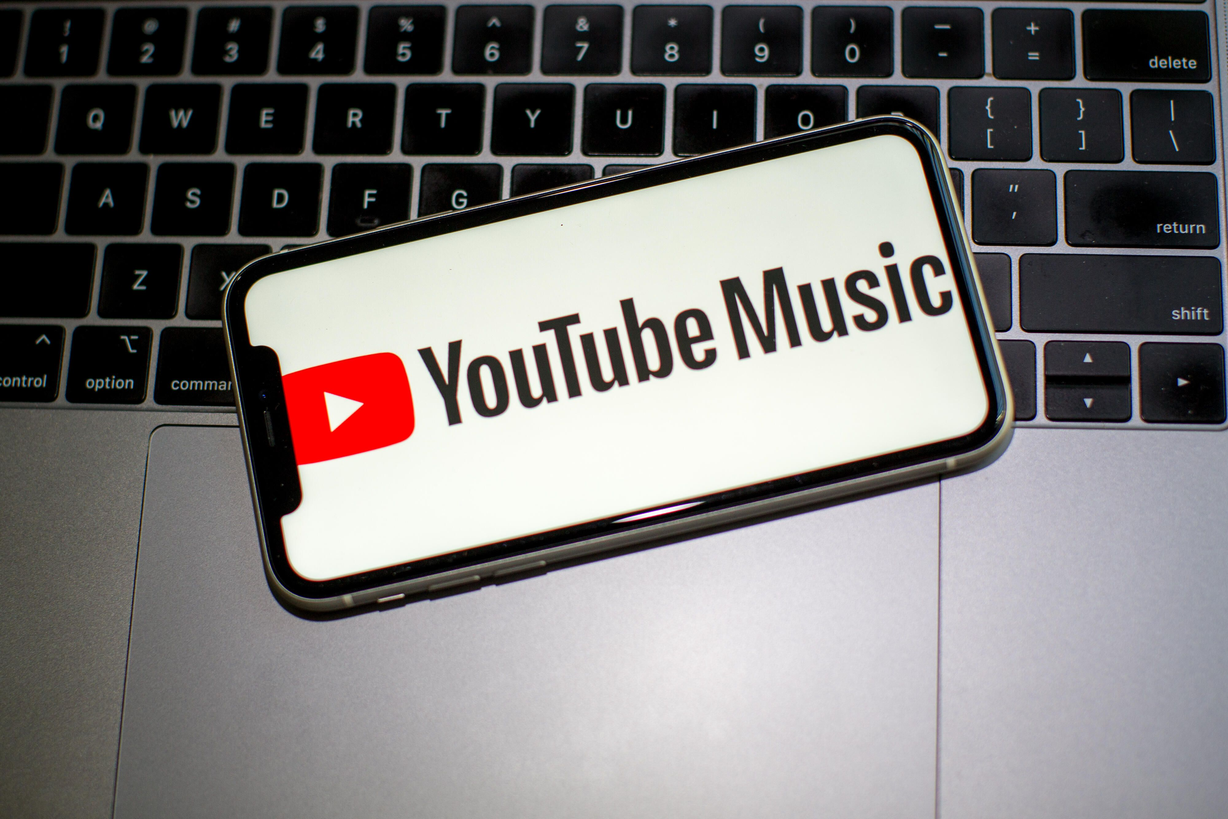 youtube-music-laptop-2488