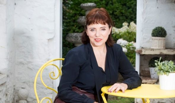 Tara Newley: It's so daunting being Joan Collins' daughter I had to find out who I am