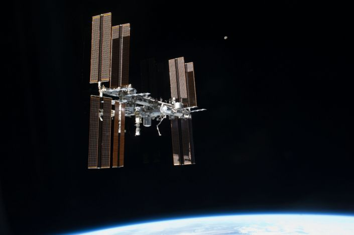 "The International Space Station. <p class=""copyright""><a href=""http://www.nasa.gov/mission_pages/station/research/news/15_ways_iss_benefits_earth"" rel=""nofollow noopener"" target=""_blank"" data-ylk=""slk:NASA"" class=""link rapid-noclick-resp"">NASA</a></p>"