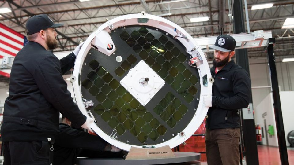 Rocket Lab's Photon: It will drop off an entry probe to fall through the Venusian atmosphere