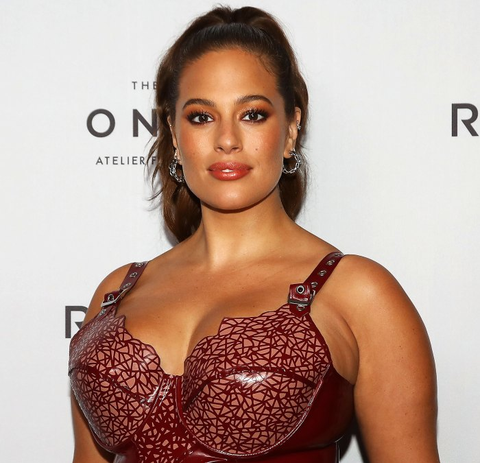 Ashley Graham Shares Close-Up Video of Her Stomach's Stretch Marks 7 Months After Son's Birth