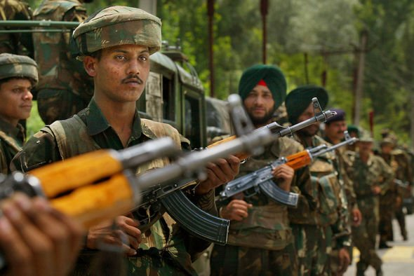 Indian troops in Kashmir as tensions rise