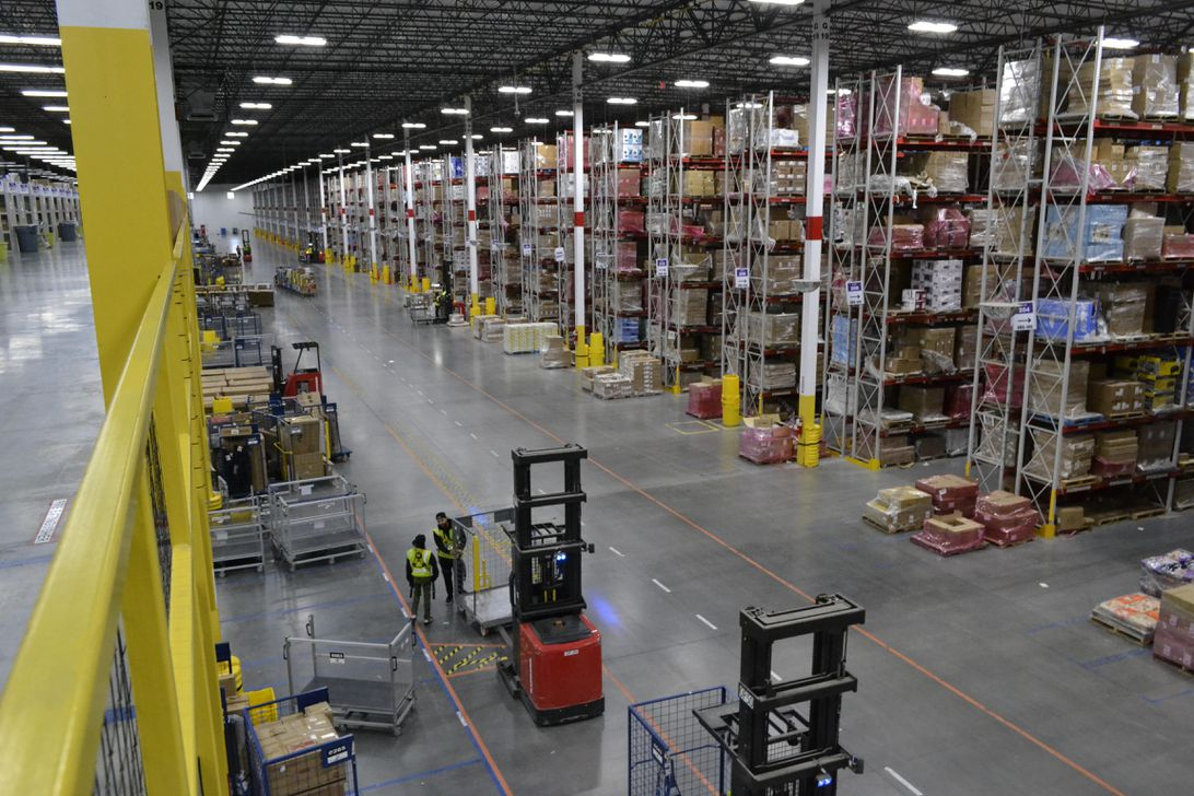amazon-fall-river-fulfillment-center-3