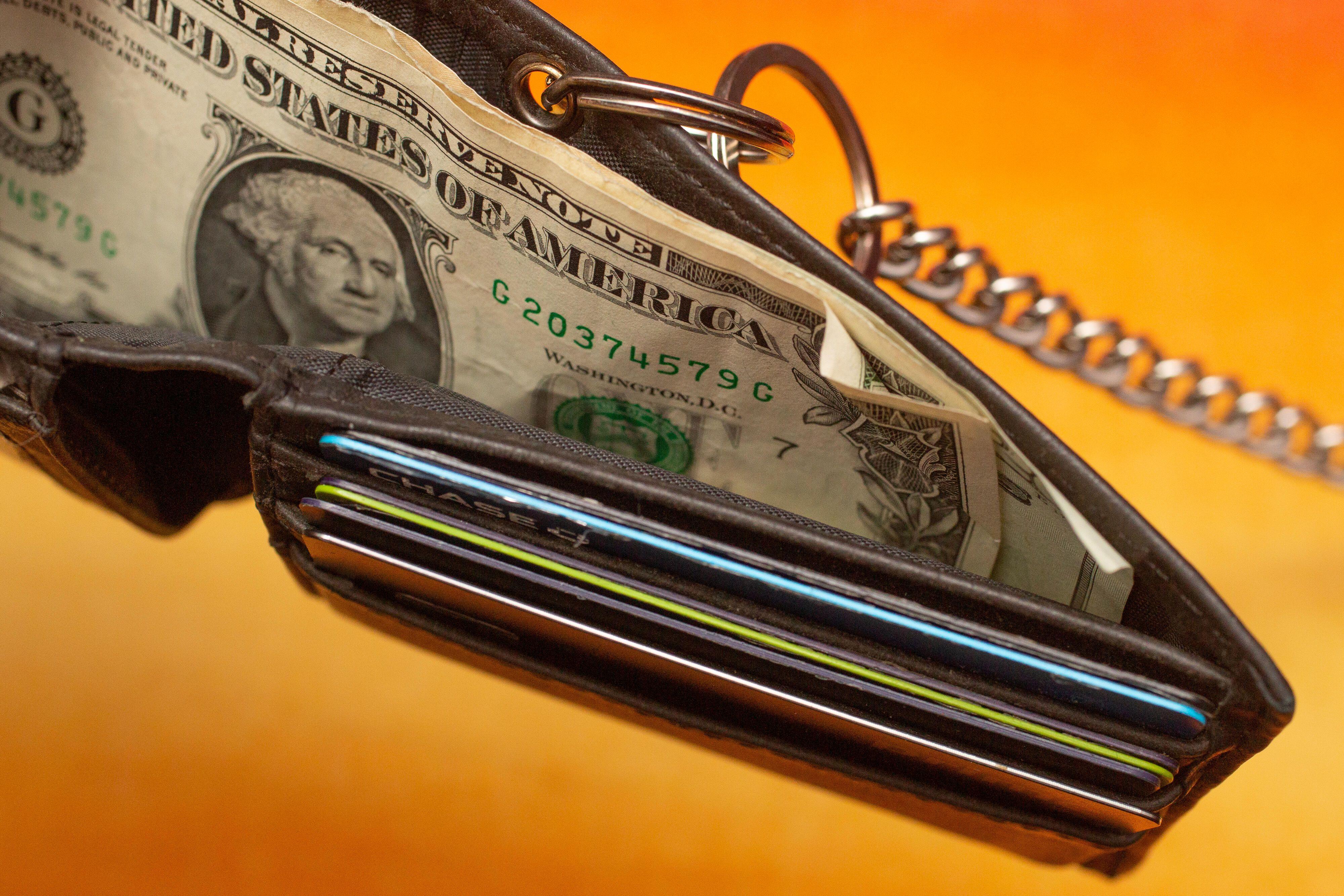 004-cash-stimulus-empty-wallet-economic-crisis-dollar-bill-currency-2020