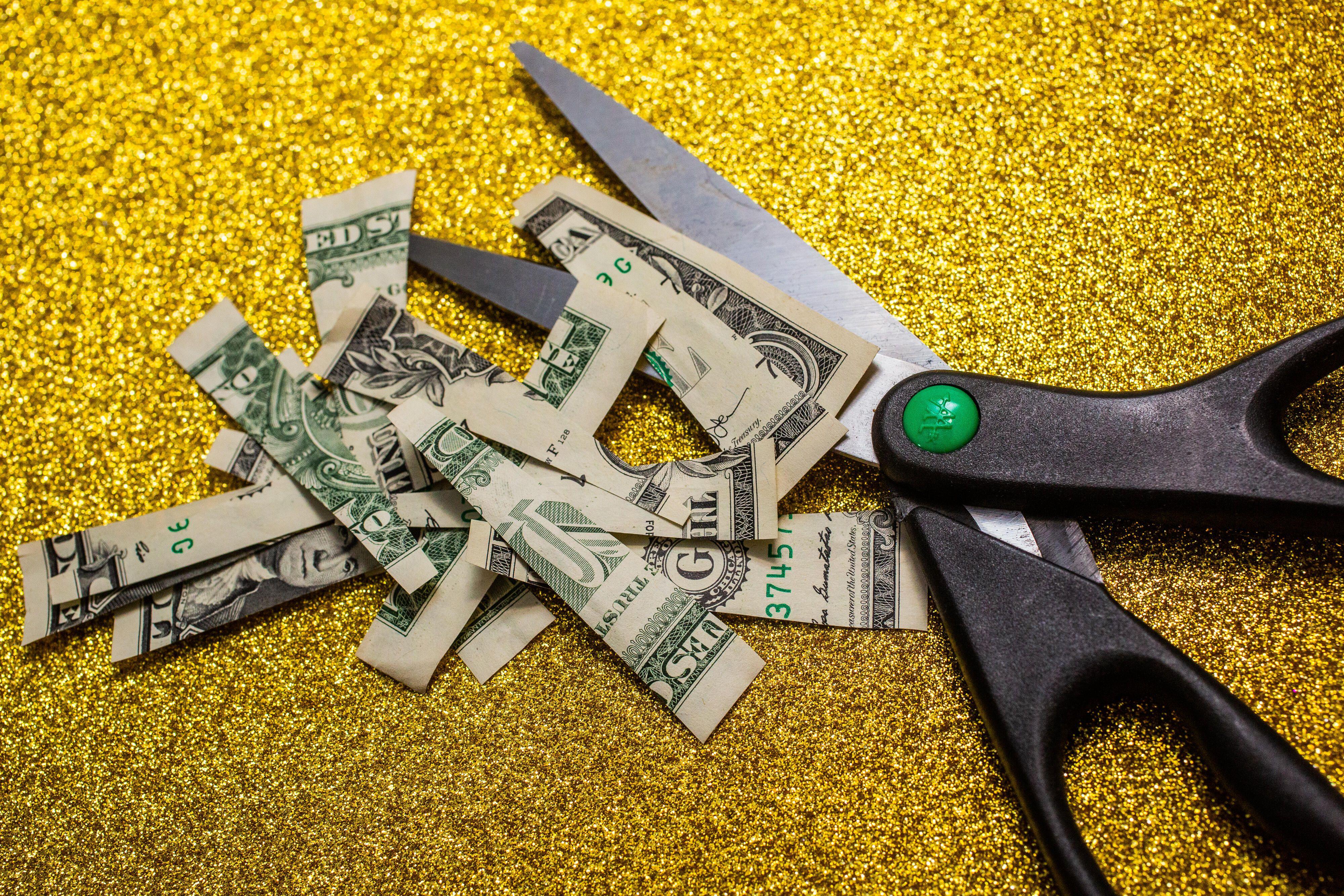 009-cash-burning-cut-up-stimulus-fail-trump-2020-october