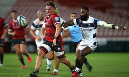 Gloucester's Jack Clement (left) chases the ball during the Gallagher Premiership match at the Kingsholm Stadium, Gloucester.