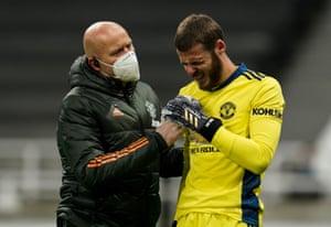 David De Gea receives treatment