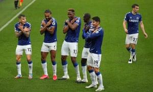 Everton players celebrate Yerry Mina's goal against Brighton.
