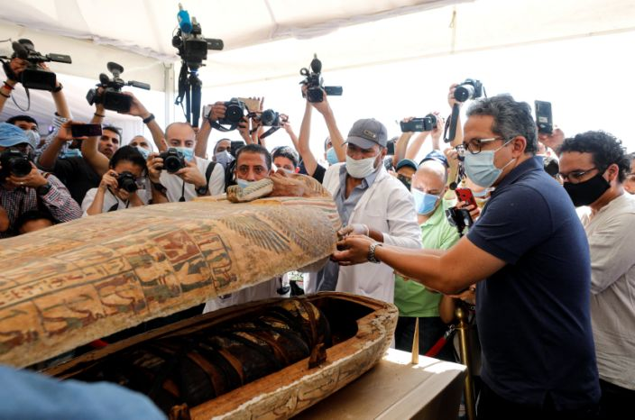 Newly discovered burial site near Egypt's Saqqara necropolis in Giza (MOHAMED ABD EL GHANY / Reuters)