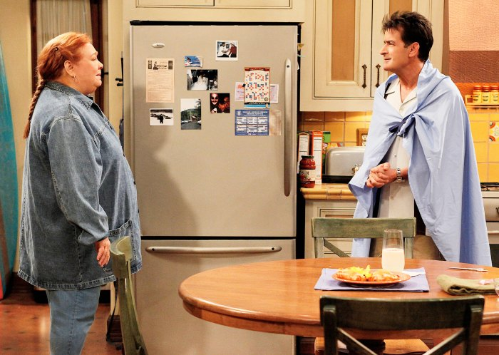 Conchata Ferrell and Charlie Sheen in Two and a Half Men Alum Conchata Ferrell Dead After Heart Attack