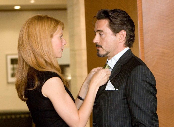 Kate Hudson Gwyneth Paltrow Relive Their Worst Onscreen Kisses Robert Downey Jr.