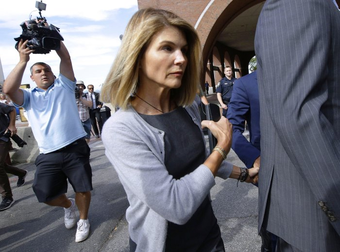 Lori Loughlin Is Expecting to Be Released from Prison Before 2021
